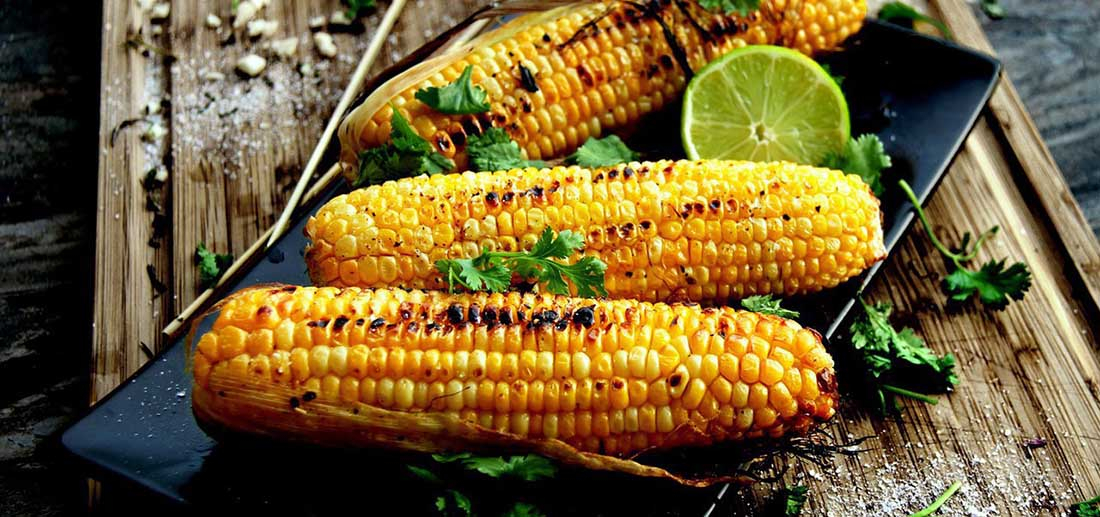 Кукуруза с пармезаном и перцем чили
